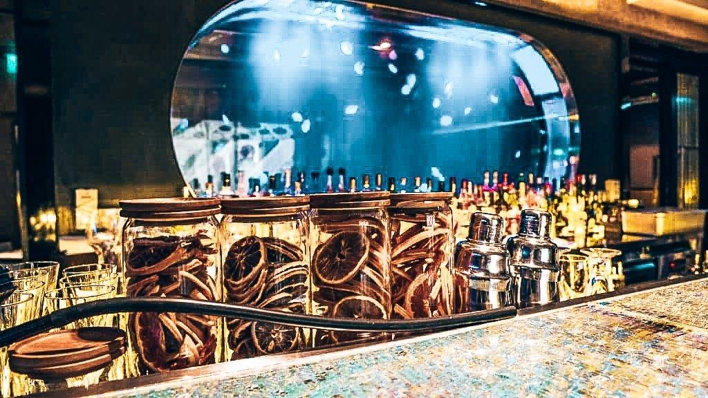 Mitzo, de bijzondere bar in Singapore, Alles over gin.