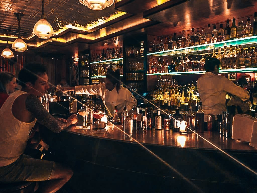 Bar bij Employees Only, speakeasy Singapore, Alles over gin.