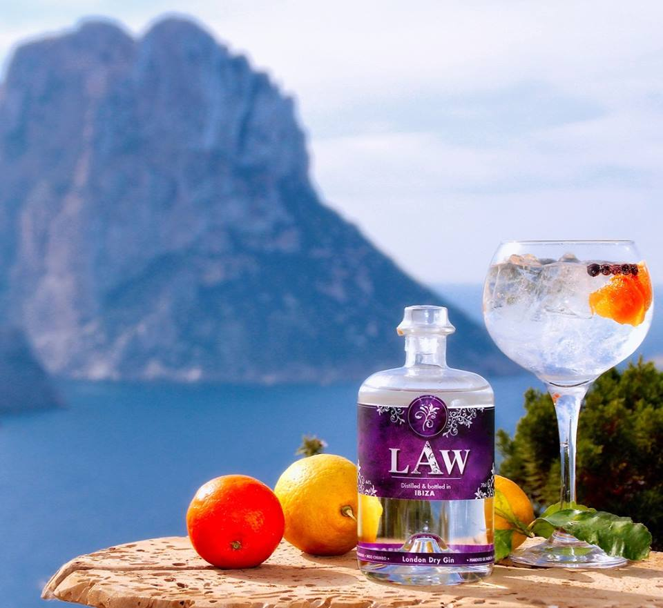 LAW Gin in Ibiza, Alles over gin.