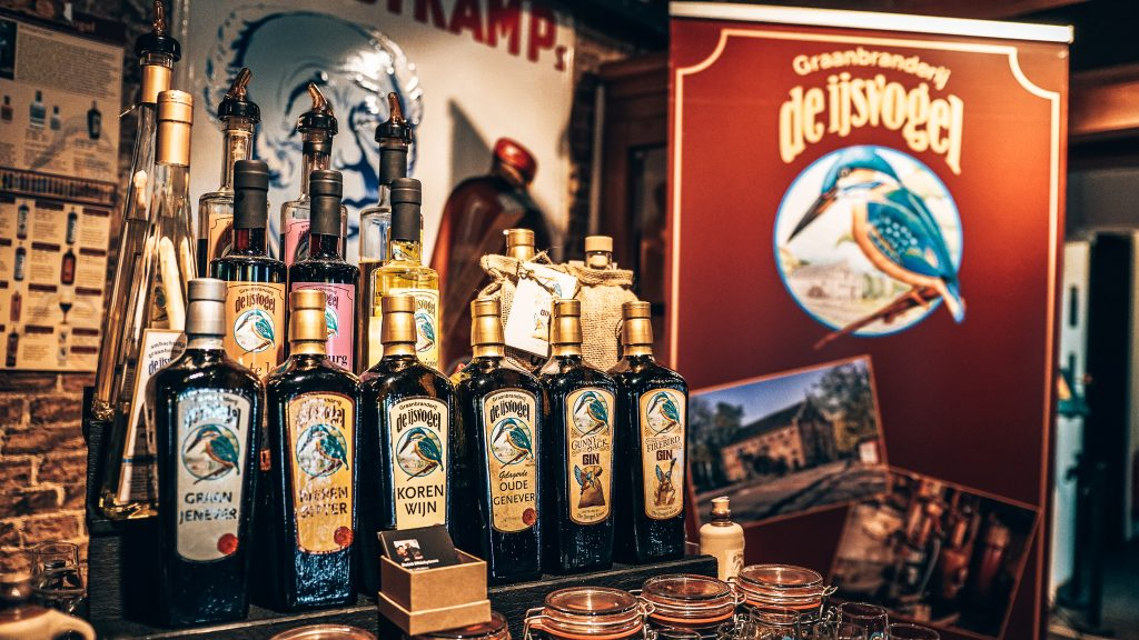 De IJsvogel, GinFever Schiedam, Alles over gin.