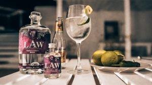 El Pirata, LAW Gin, Alles over gin..