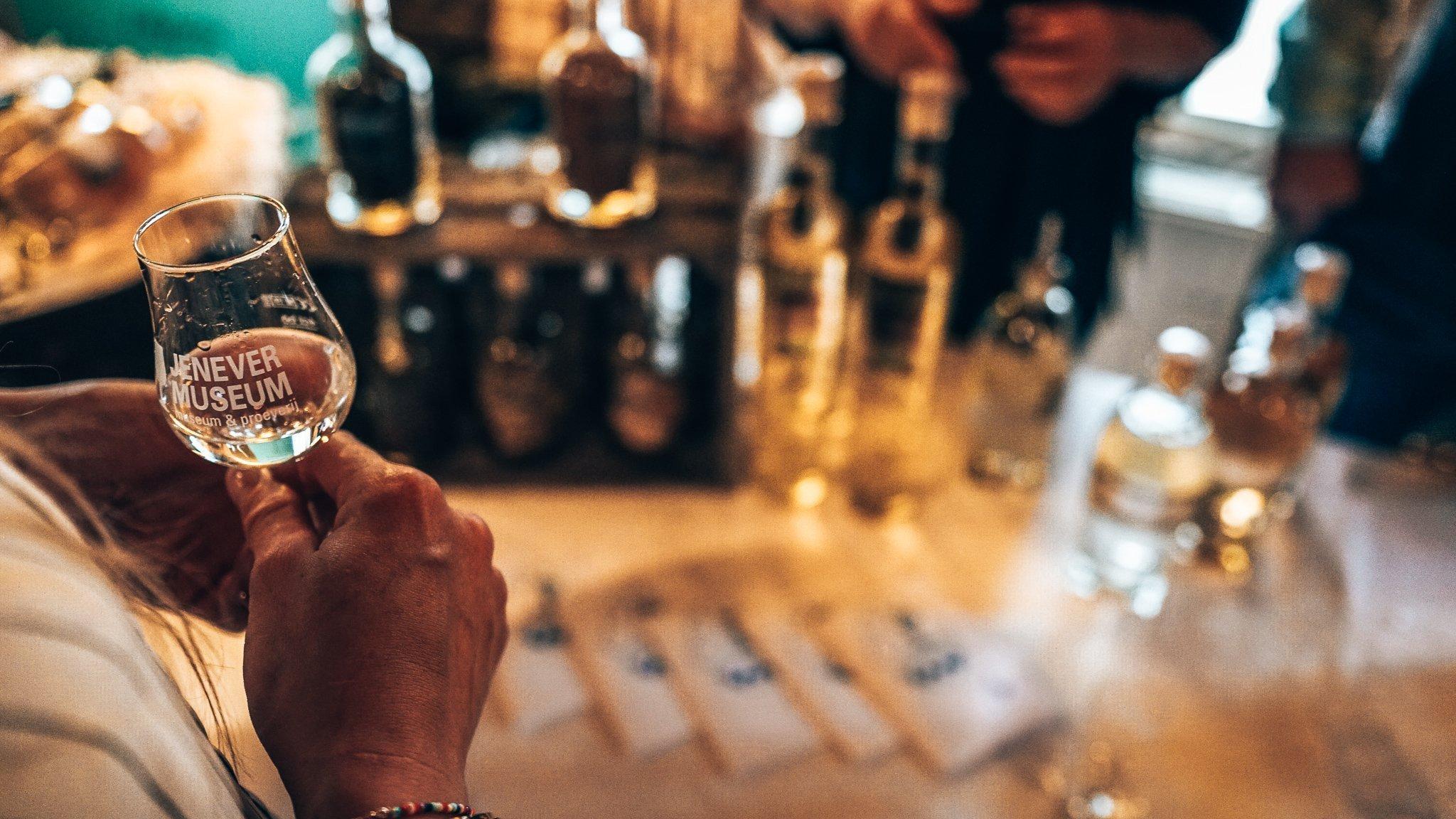 Proefglaasje GinFever, Schiedam, Alles over gin.