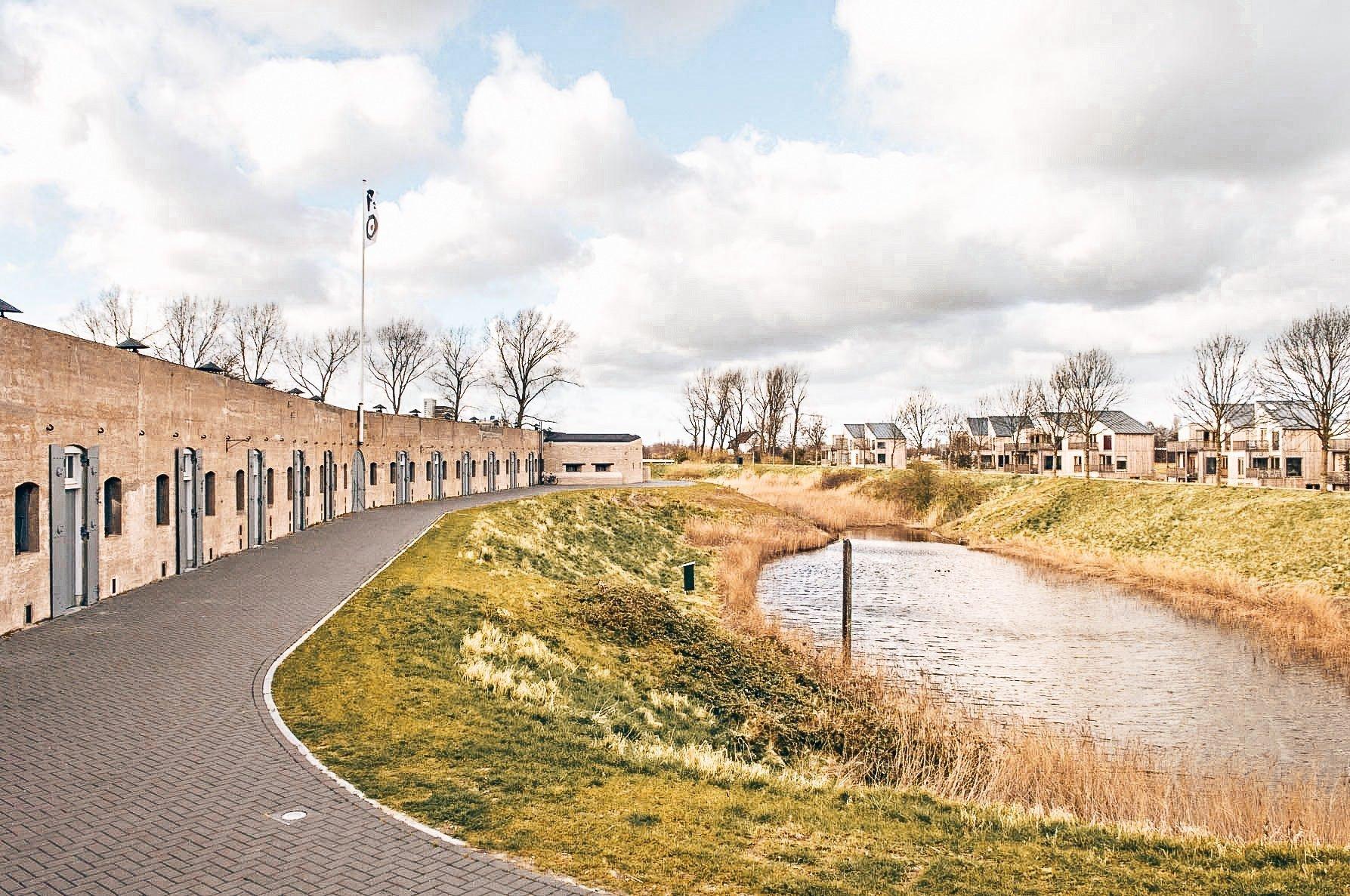 Tolmann's Dutch Dry Gin, Tolmann's Distillery locatie, Fort van Vijfhuizen, Alles over gin.