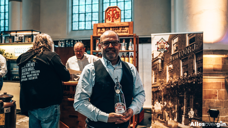 Constantijn met Torine Gin, Alles over gin.