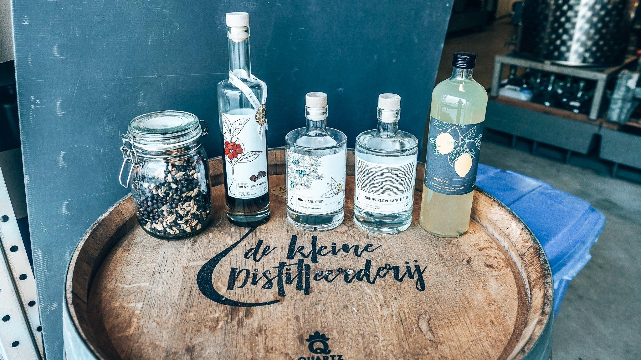 Dranken van De Kleine Distilleerderij, Alles over gin.