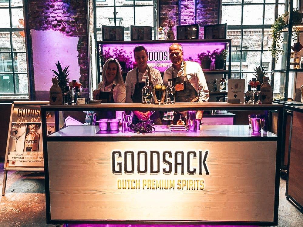Goodsack team, Alles over gin.