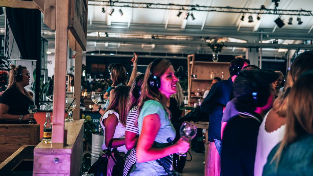 Loopuyt Silent Disco, Ginfestival Rotterdam, Alles over gin..01