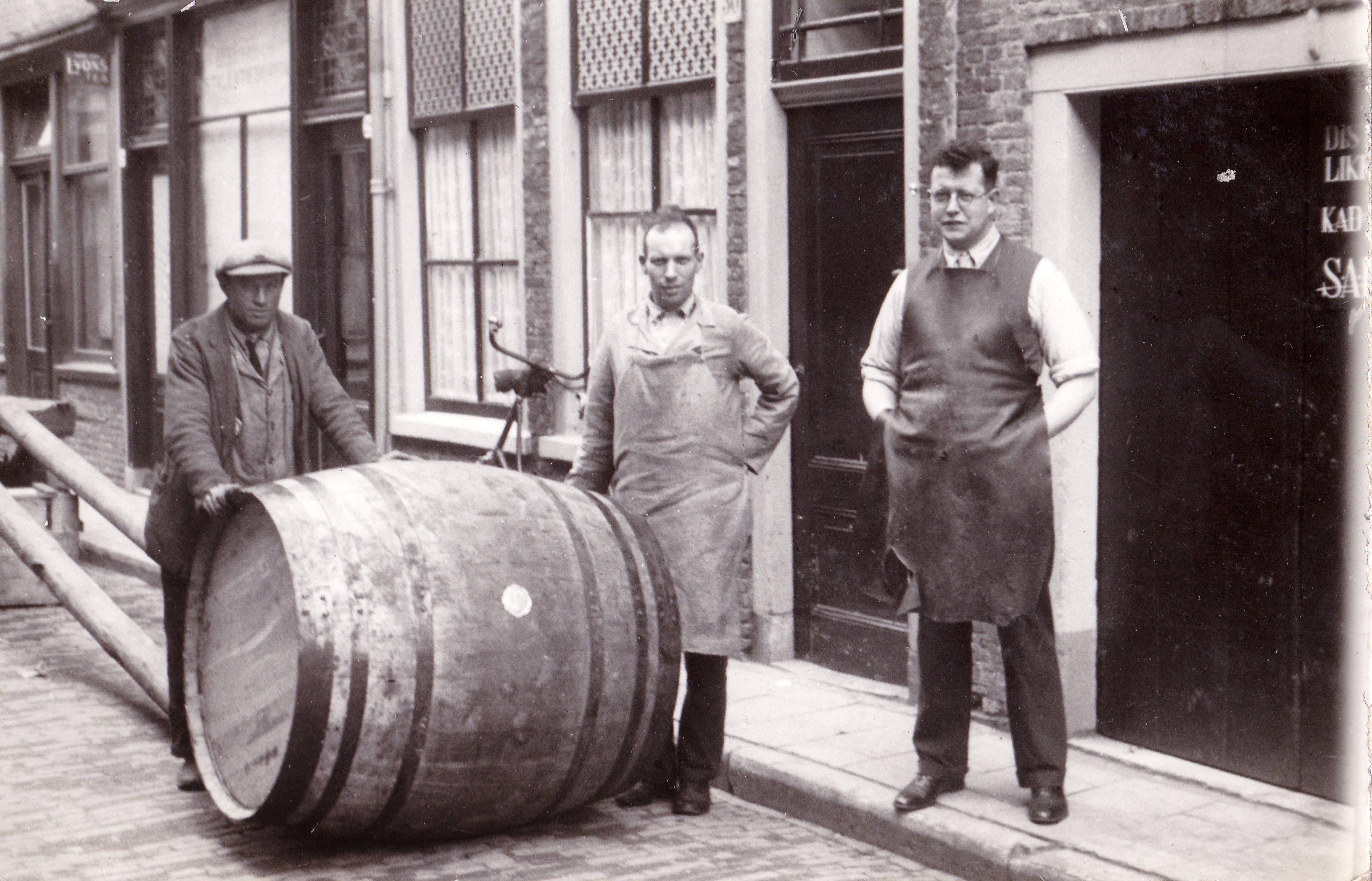 Generatie Rutte, Distilleerderij Rutte, Alles over gin.