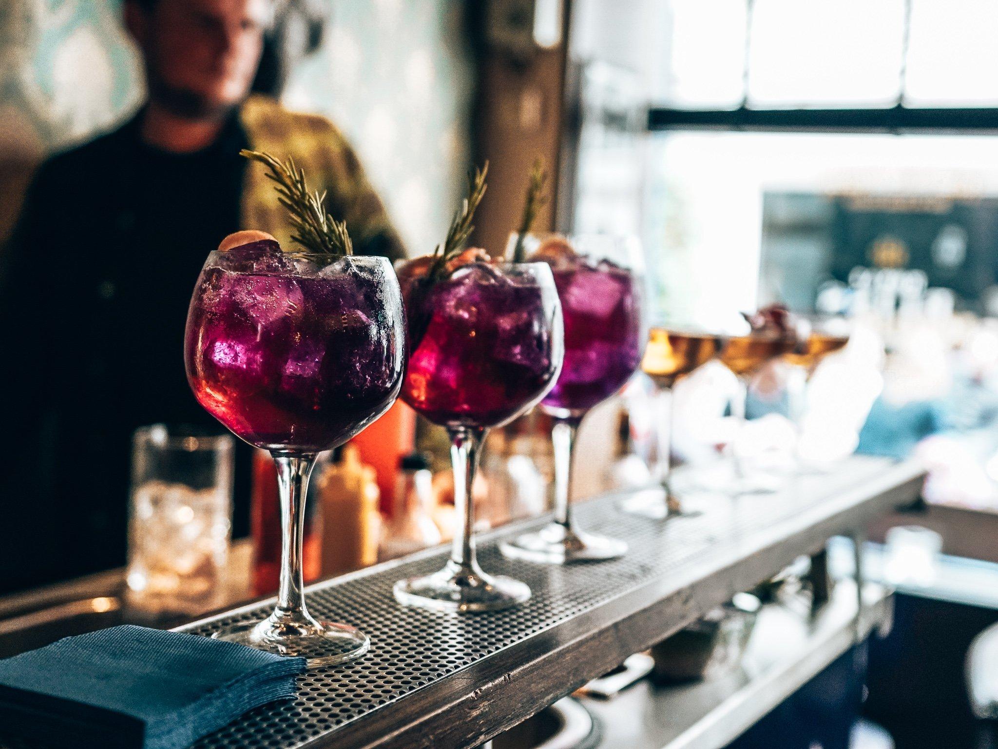 Cocktails bij de Royal Bliss Cocktail Competition, Den Haag, Alles over gin.