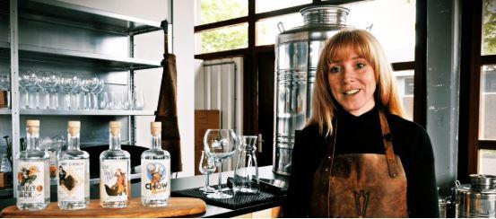 Hannah van Driftwood Distillery, Alles over gin.
