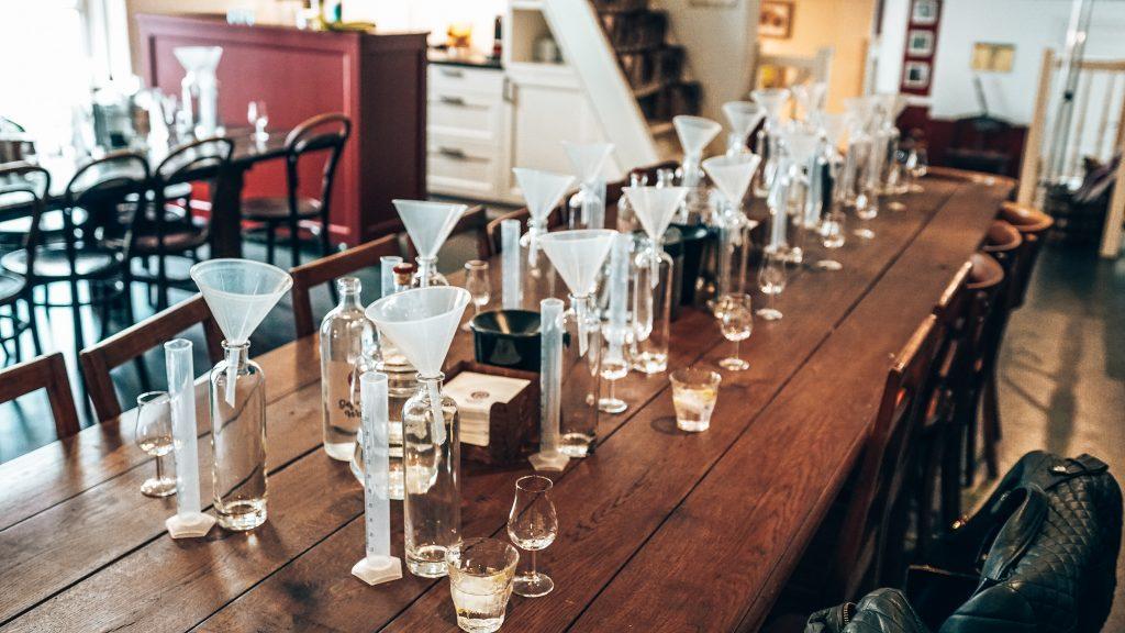 Opzet workshop gin maken bij Distilleerderij Rutte, Alles over gin.