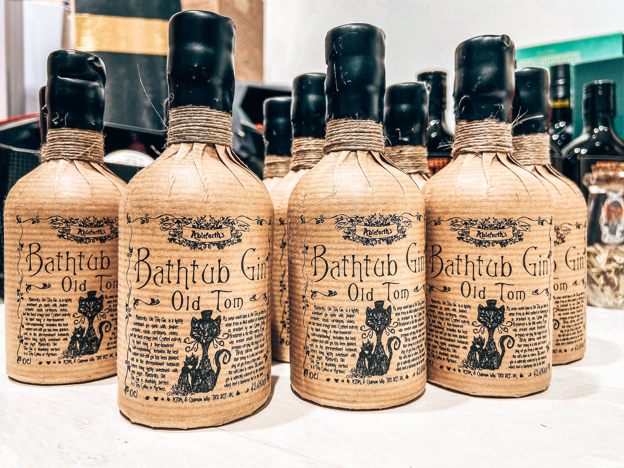 Ableforth's Bathtub Gin, Alles over gin.