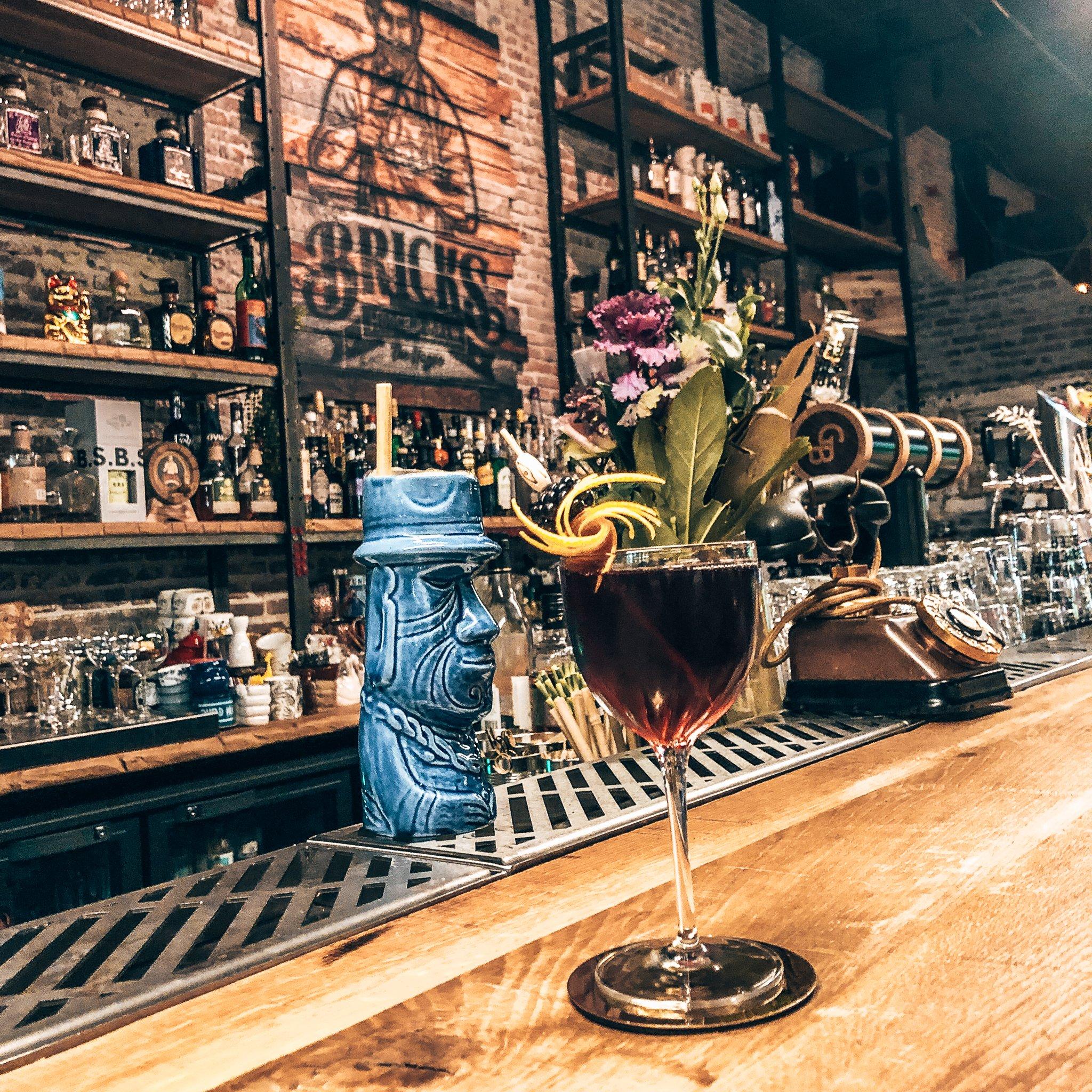 Alles is mogelijk op cocktailgebied bij Bricks Hooch & Brew, Alles over gin.