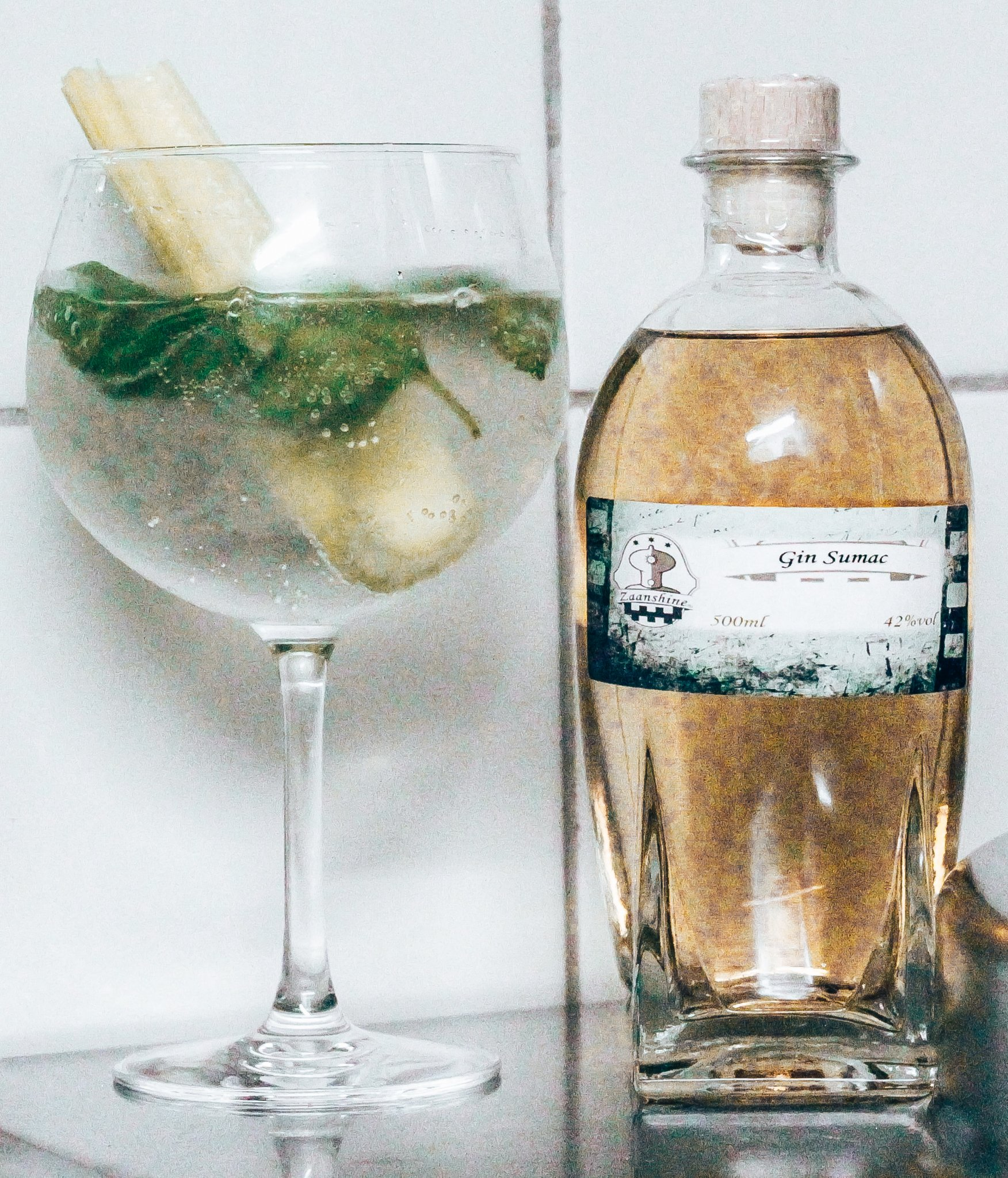 Gin Sumac perfect serve, Zaanshine Distilleerderij, Alles over gin.