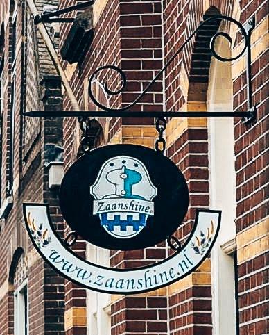 Logo Zaanshine Distilleerderij, Alles over gin.