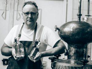 Oprichter Zaanshine Distilleerderij, Alles over gin.