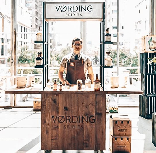 Thomas, Founder Vording Spirits, Alles over gin.