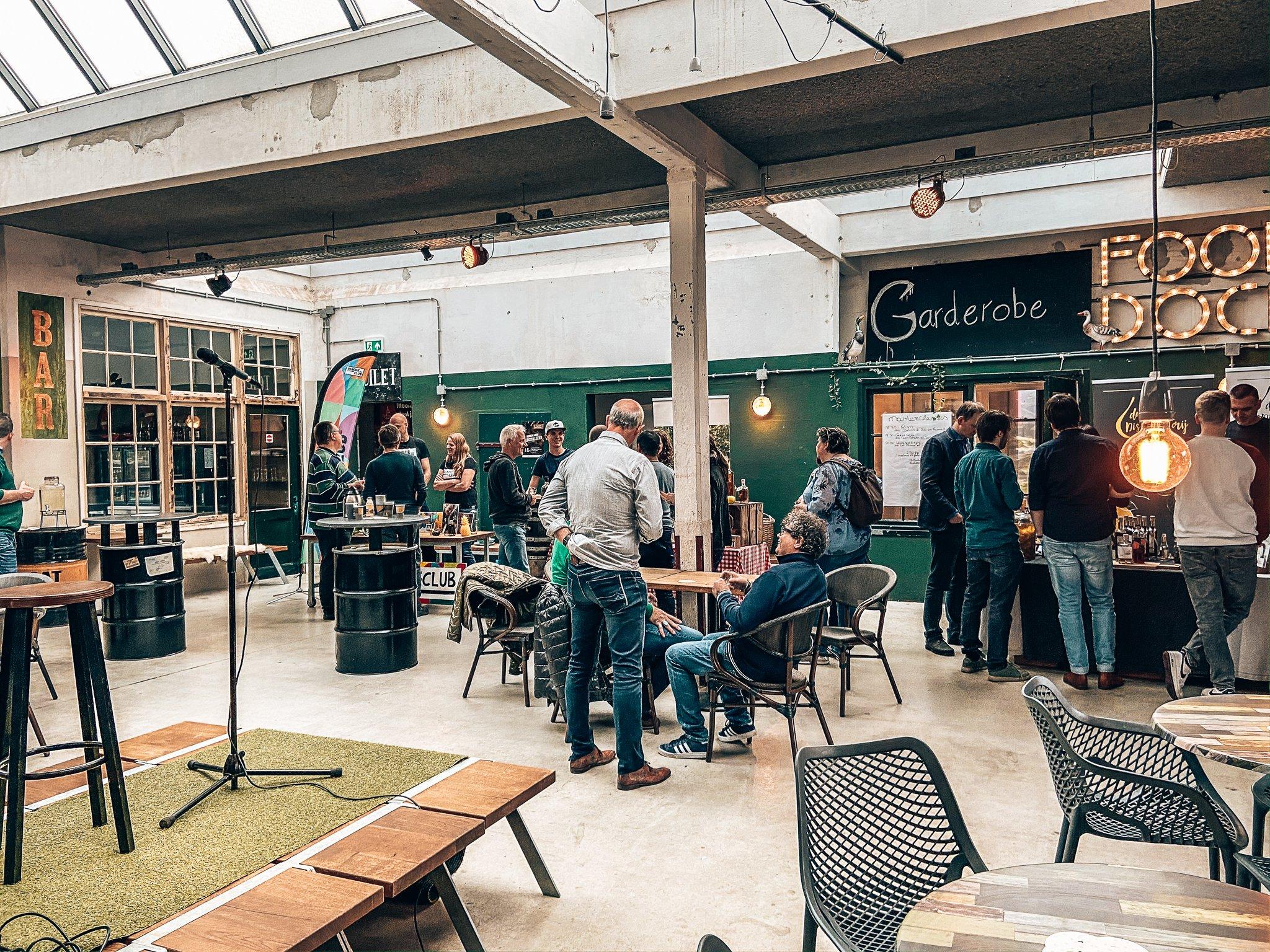 Binnenlands Gedistilleerd in Fooddock Deventer, Alles over gin.