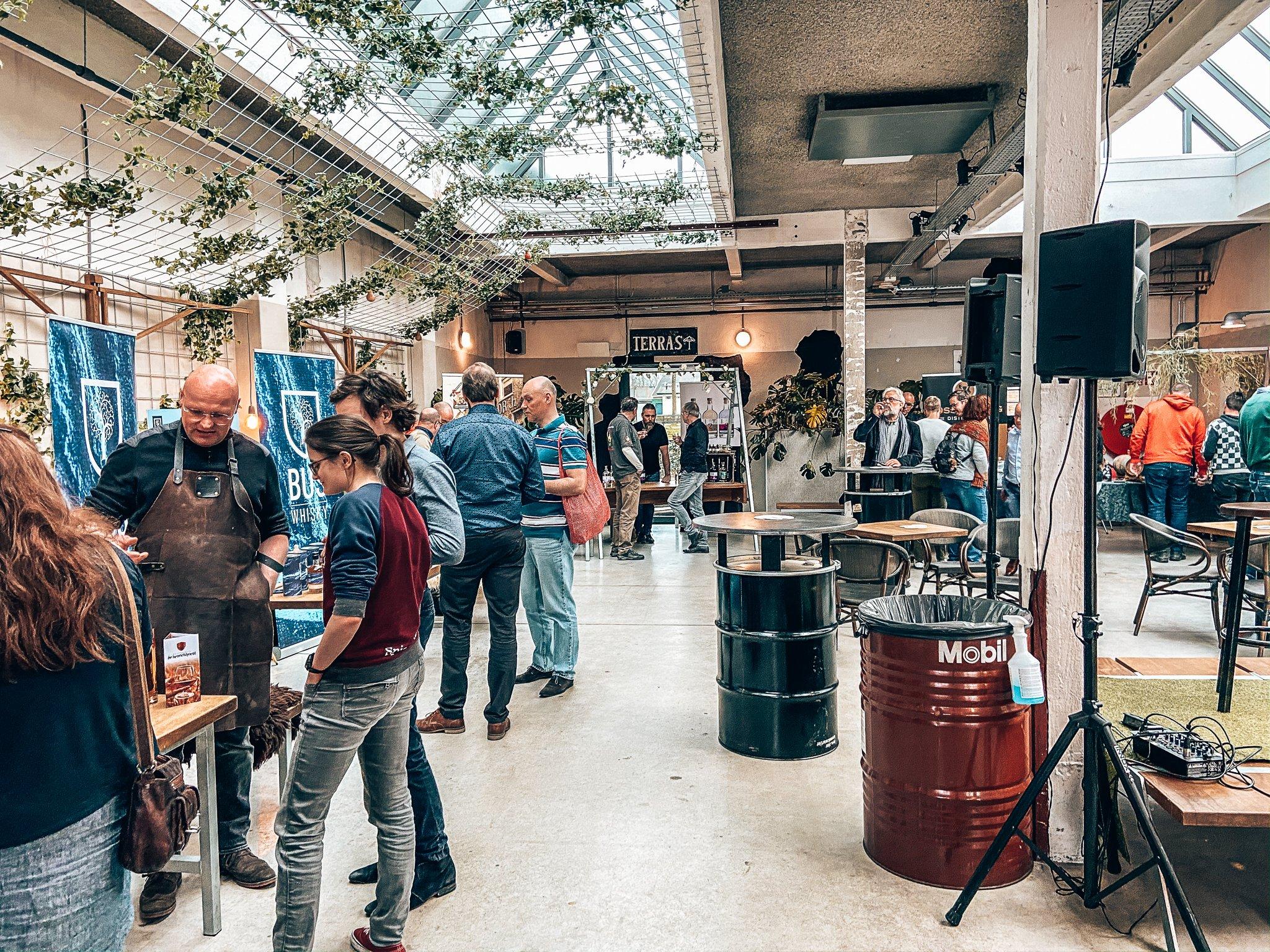 Distilleerderij De Bronckhorst, Binnenlands Gedistilleerd, Alles over gin.