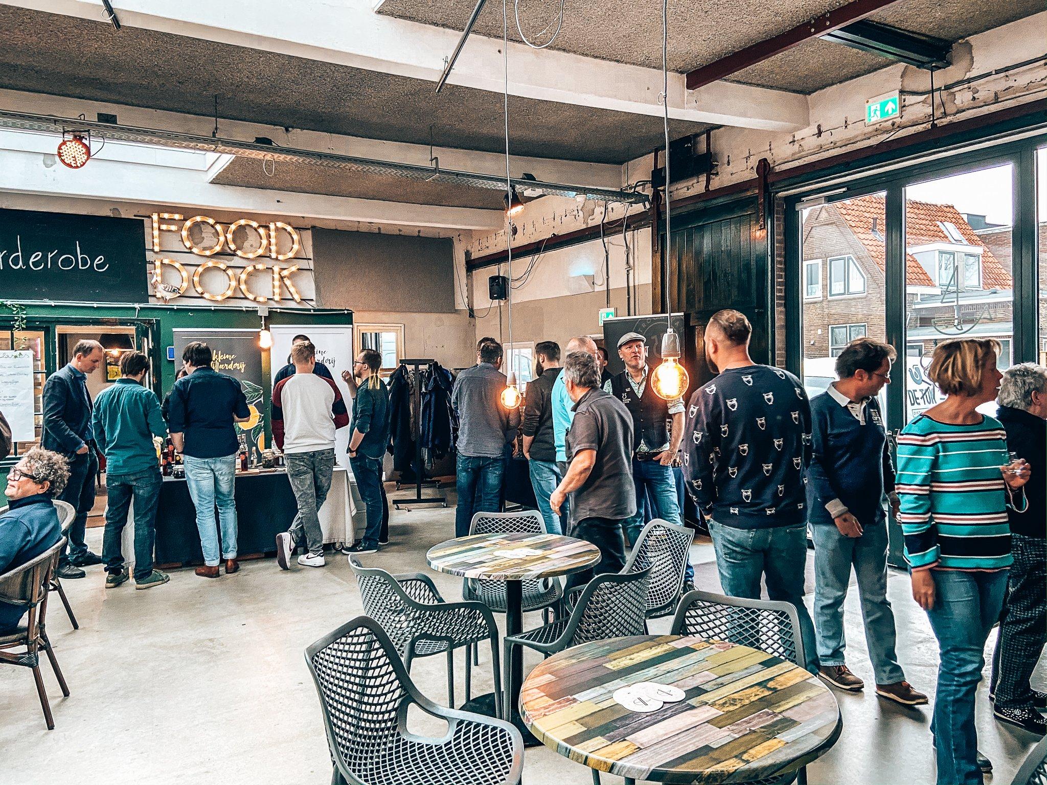 Eerste editie Binnenlands Gedistilleerd, Fooddock, Alles over gin.