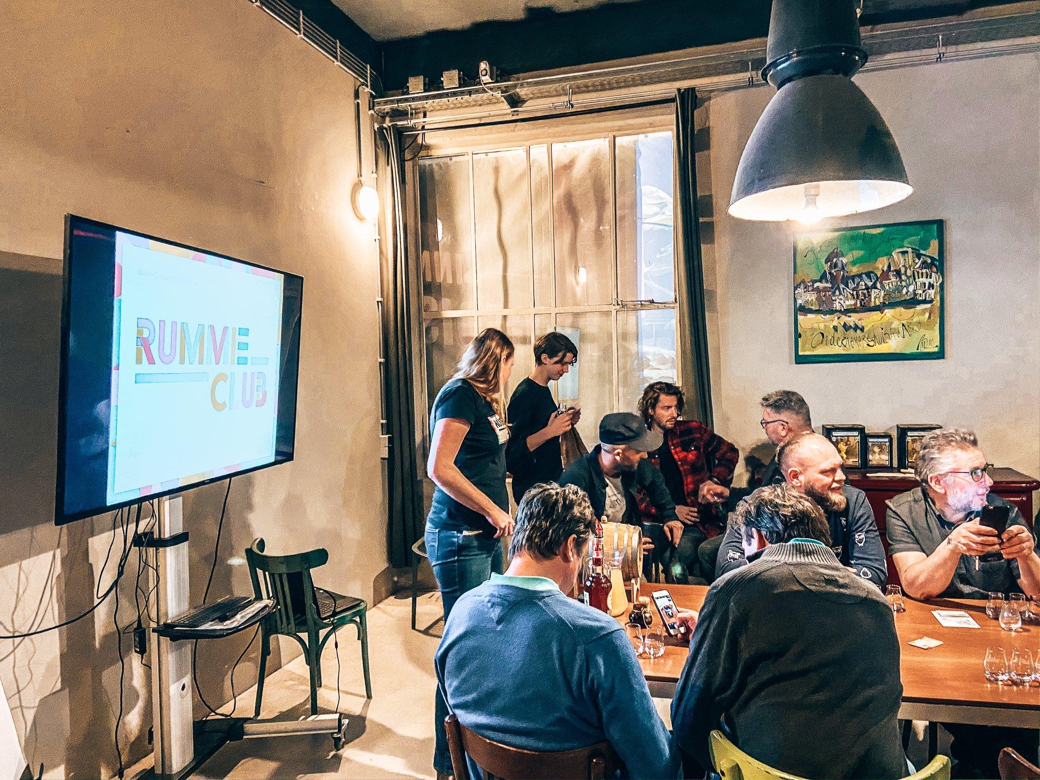 Masterclass door Rummielub, Binnenlands Gedistilleerd, Fooddock Deventer, Alles over gin.