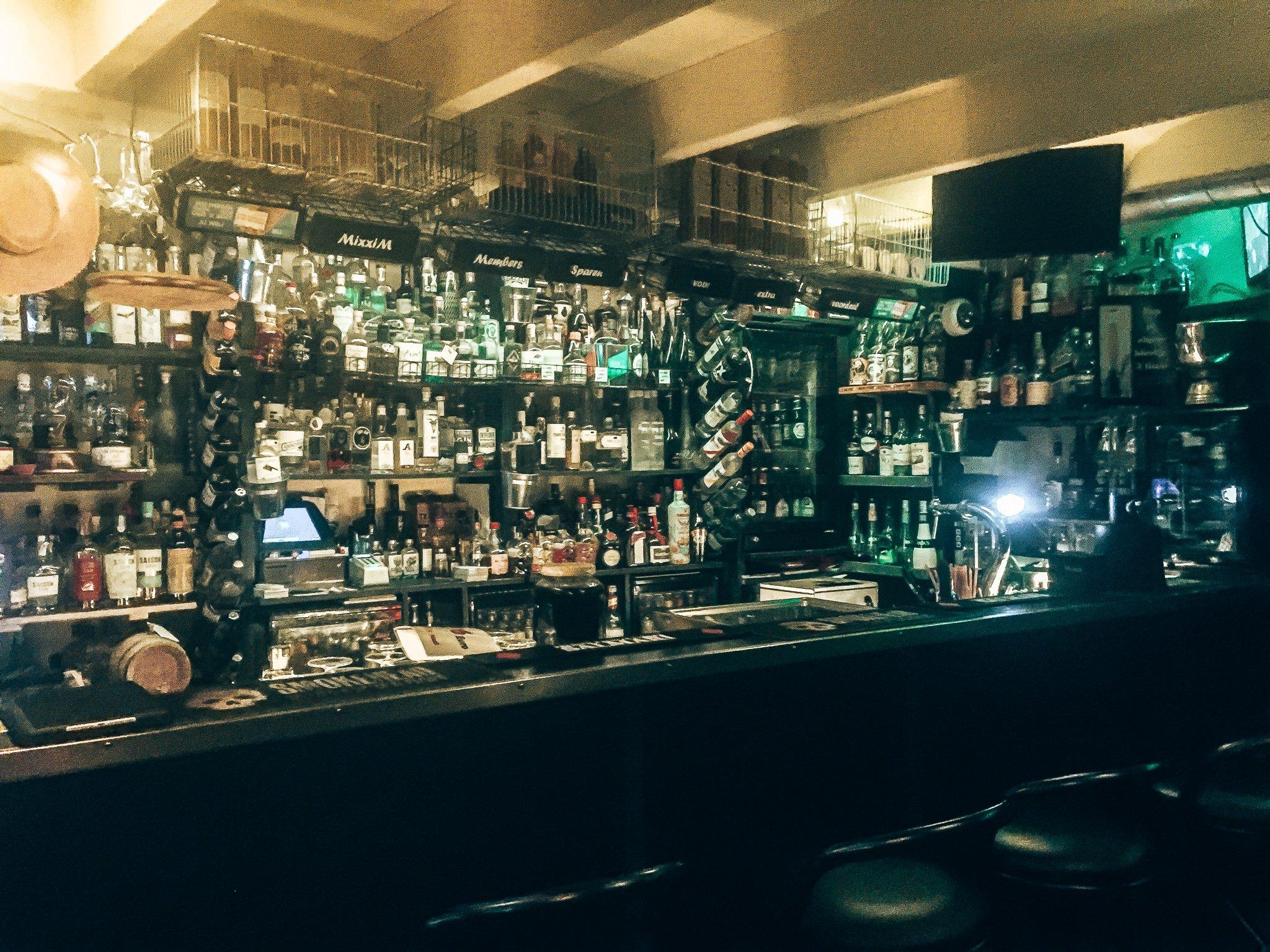Mixxim Lounge, cocktail- en gin bar in Zutphen, Alles over gin.