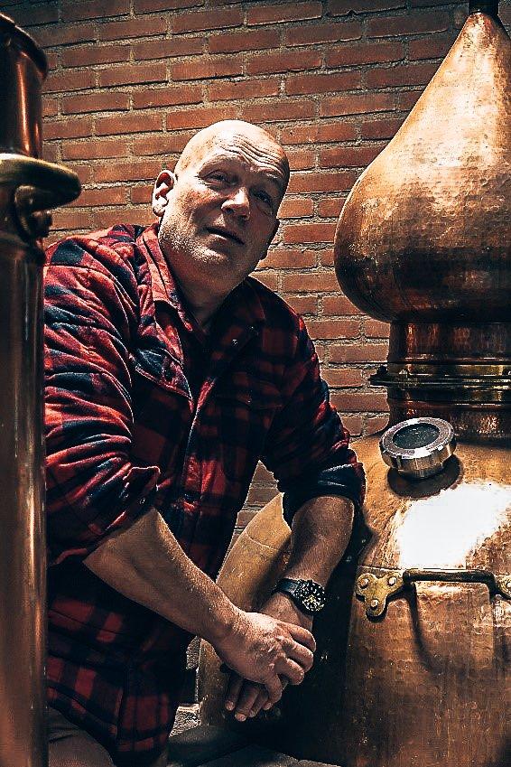 Erik Poutsma, Founder Drumlin Distillery in Havelte, Alles over gin.