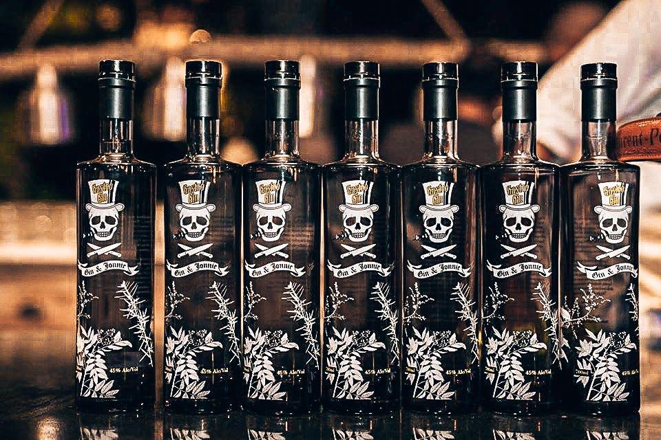 Flessen Gastro Gin, Distilleerderij Onder de Boompjes, Alles over gin.-2