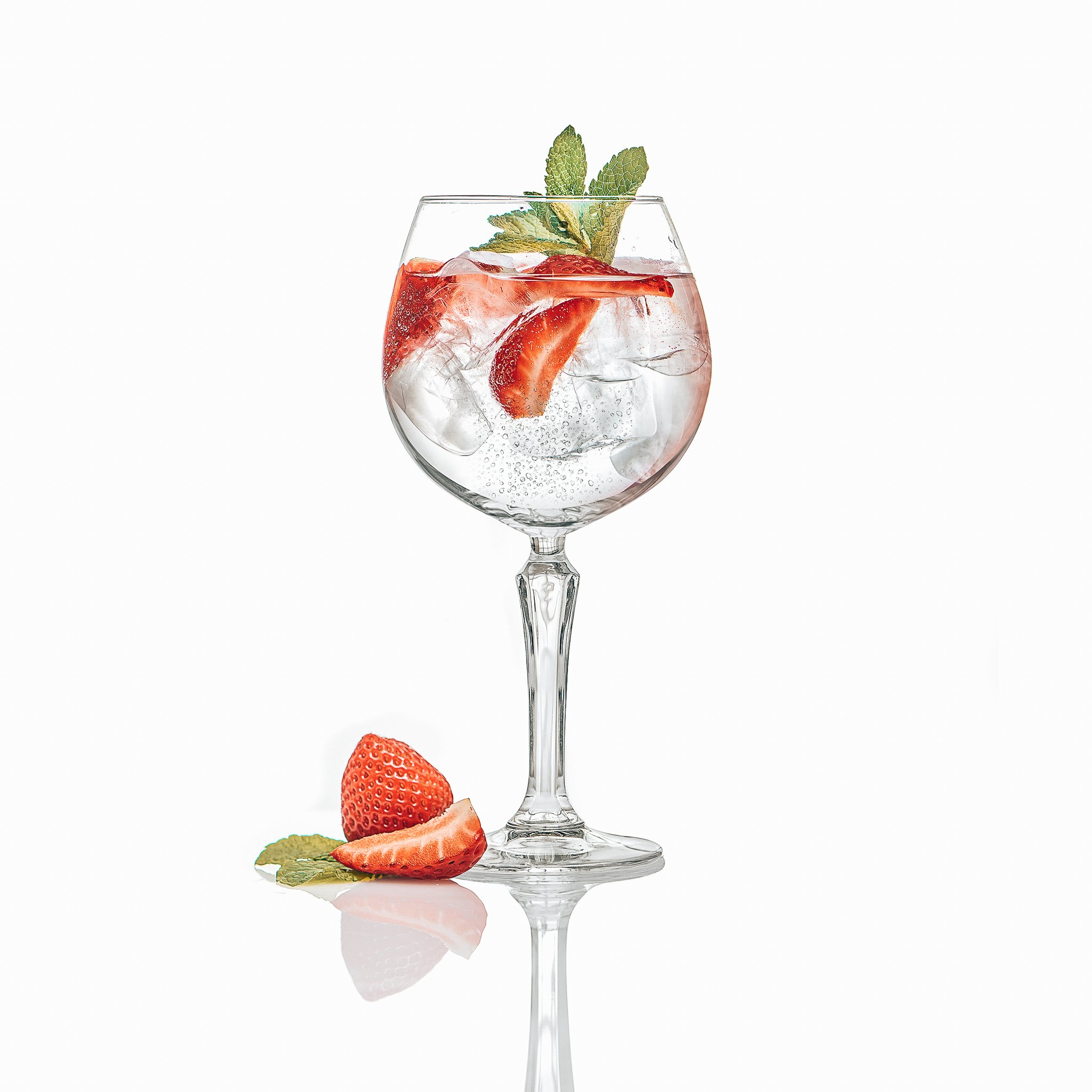 Perfect serve Strawberry & Mint, Sir Edmond Gin, Alles over gin.