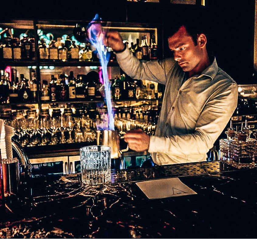 Blue Blazer, Bartender, Rob Rademaker, Alles over gin.