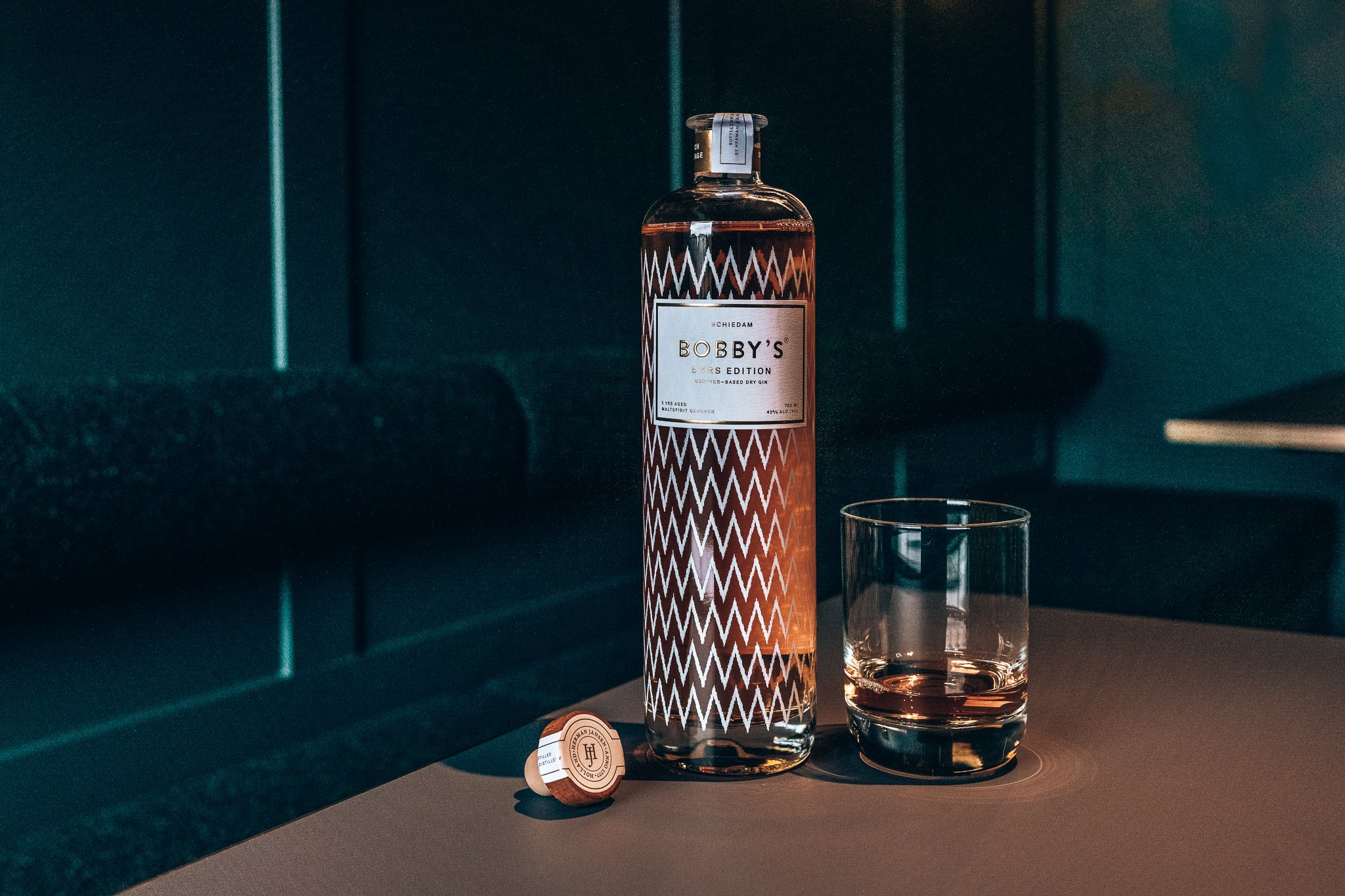 Bobby's Gin 5 years, Alles over gin.