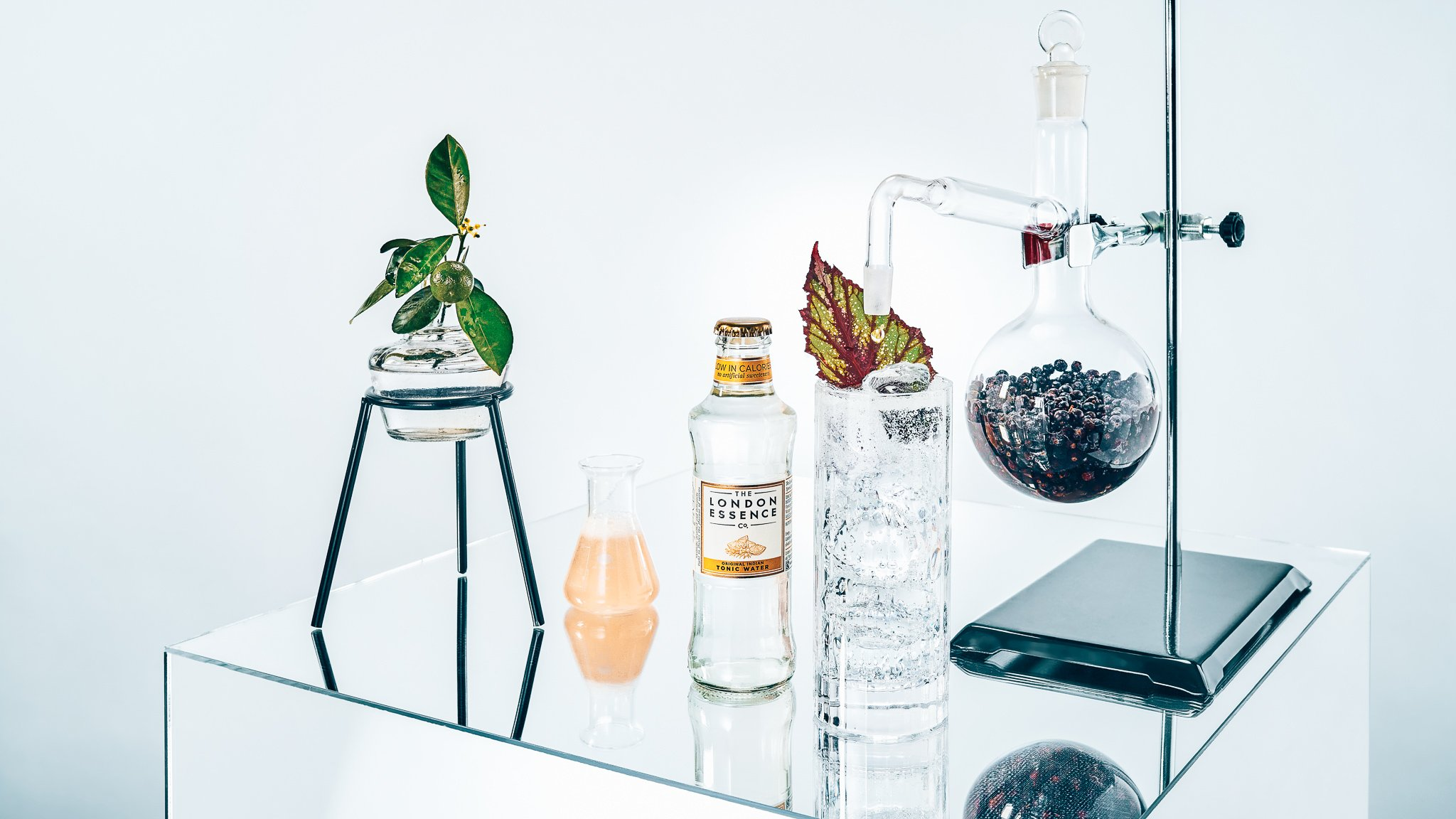 London Essence mixers, spotlight tonic, Alles over gin.