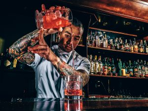 Chi-ho bij Dr. Rotterdam, A bartender's story, Jasper Bosman, Alles over gin.