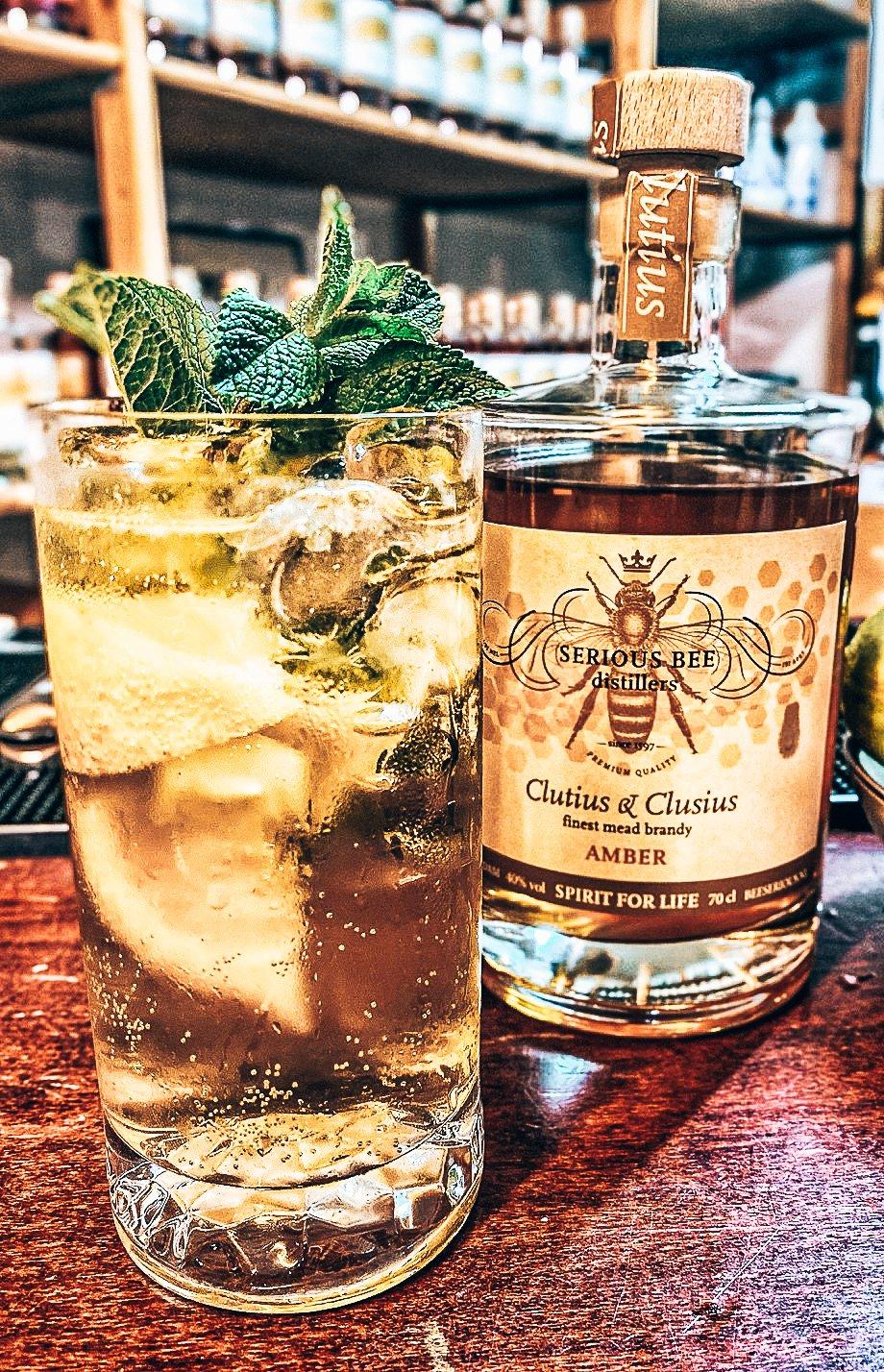 Cocktail Helder voor BeeSerious, Alles over gin.