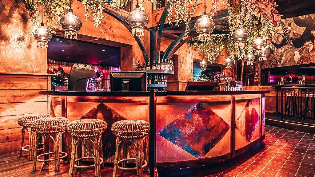 Tropische sferen bij Mr. Smith's Loft in Groningen, Alles over gin.