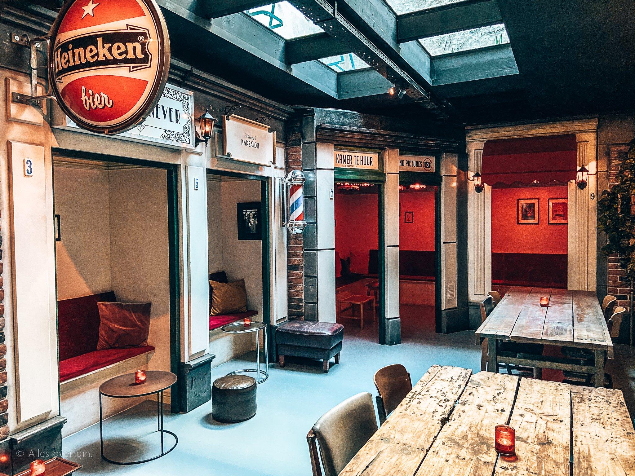 Cocktailbar Bar Mokum, De Wallen, Amsterdam, Alles over gin.