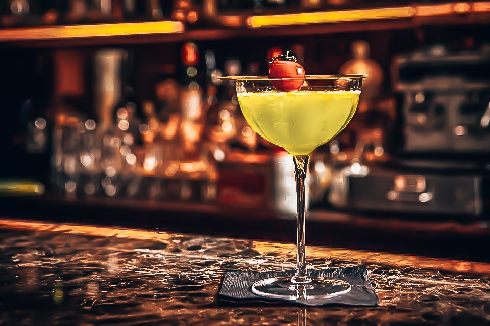 Perfect serve genaamd Caprese Liquide, Cocktail, Rob Rademaker, Alles over gin.