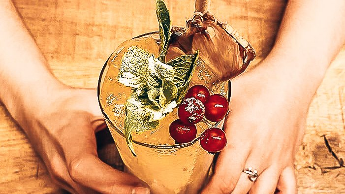 Gin cocktail recept by Alice Razzi en Caco Mosan, 20's Cobbler, Alles over gin.