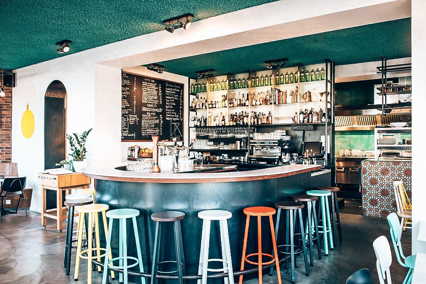 Binnenkijken bij Pikoteo in Amsterdam, Alles over gin.
