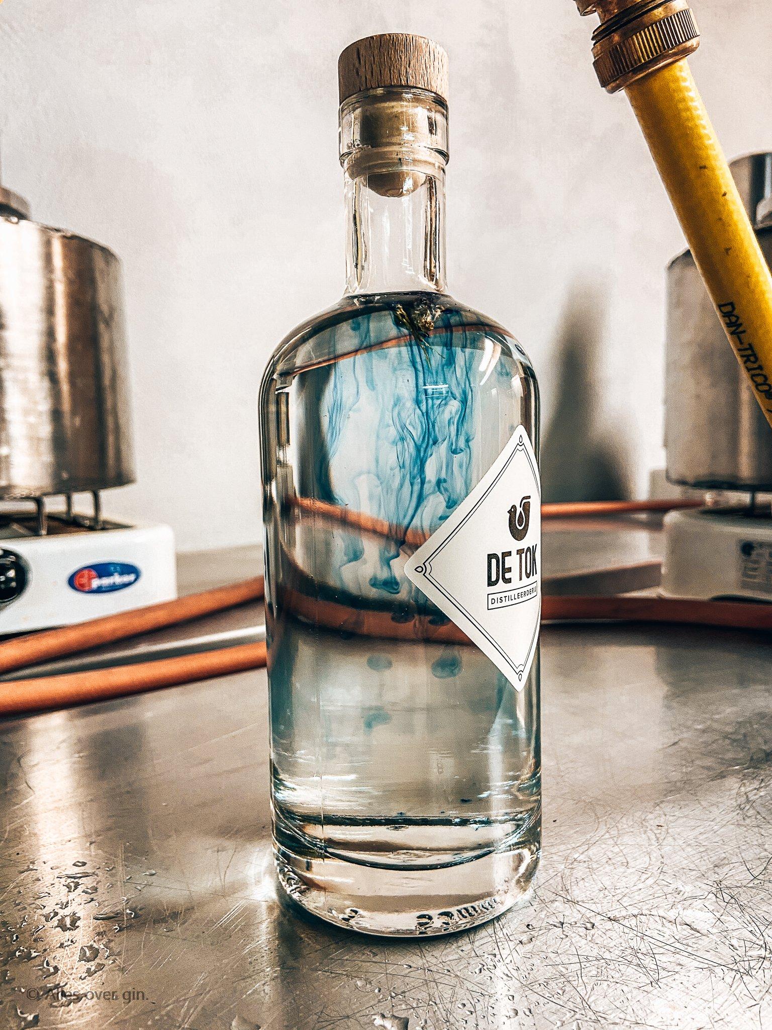 Gin workshop bij De Tok Distilleerderij, Kittelbloem stap 3, Alles over gin..jpg