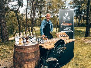 Het verhaal achter De Tok Distilleerderij, Carl van de Scheur, Alles over gin.