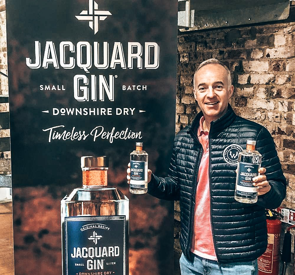 Jacquard Gin, founder Mark Pearson, Alles over gin.