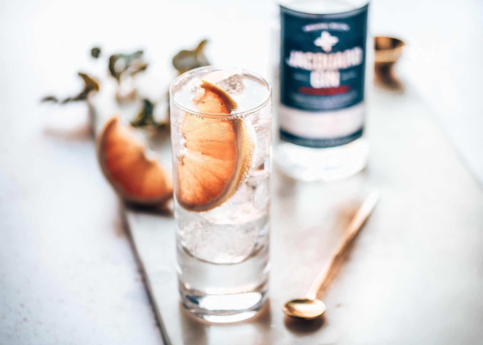 Jacquard Gin perfect serve, Strawhill Estate Distillery, Alles over gin.