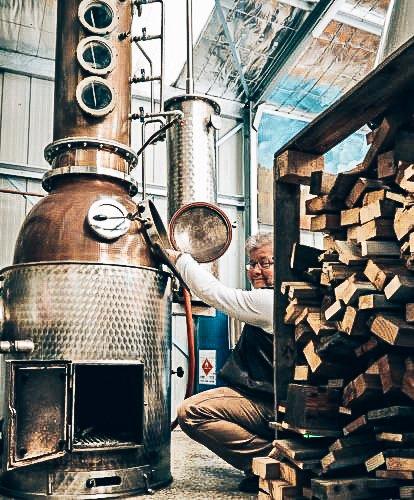 Joerg in de distilleerderij, Broken Heart Gin, Broken Heart Spirits, Alles over gin.