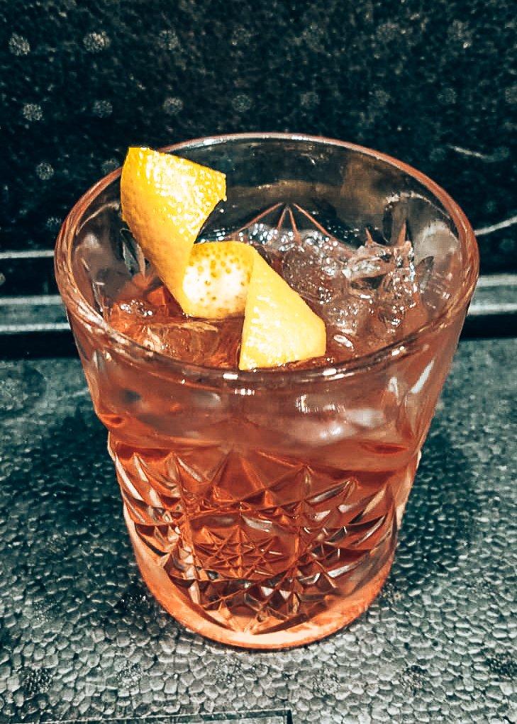 Recept Cyrus Saffron Negroni, Cyrus Saffron Gin, Alles over gin.
