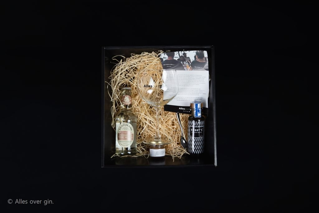 VerGINdingsbox special binnenkant, Alles over gin.