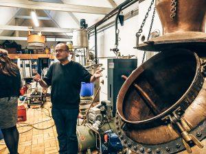 De ambachtelijke distilleerderij, H. van Toor Jz., Vlaardingen, Alles over gin.