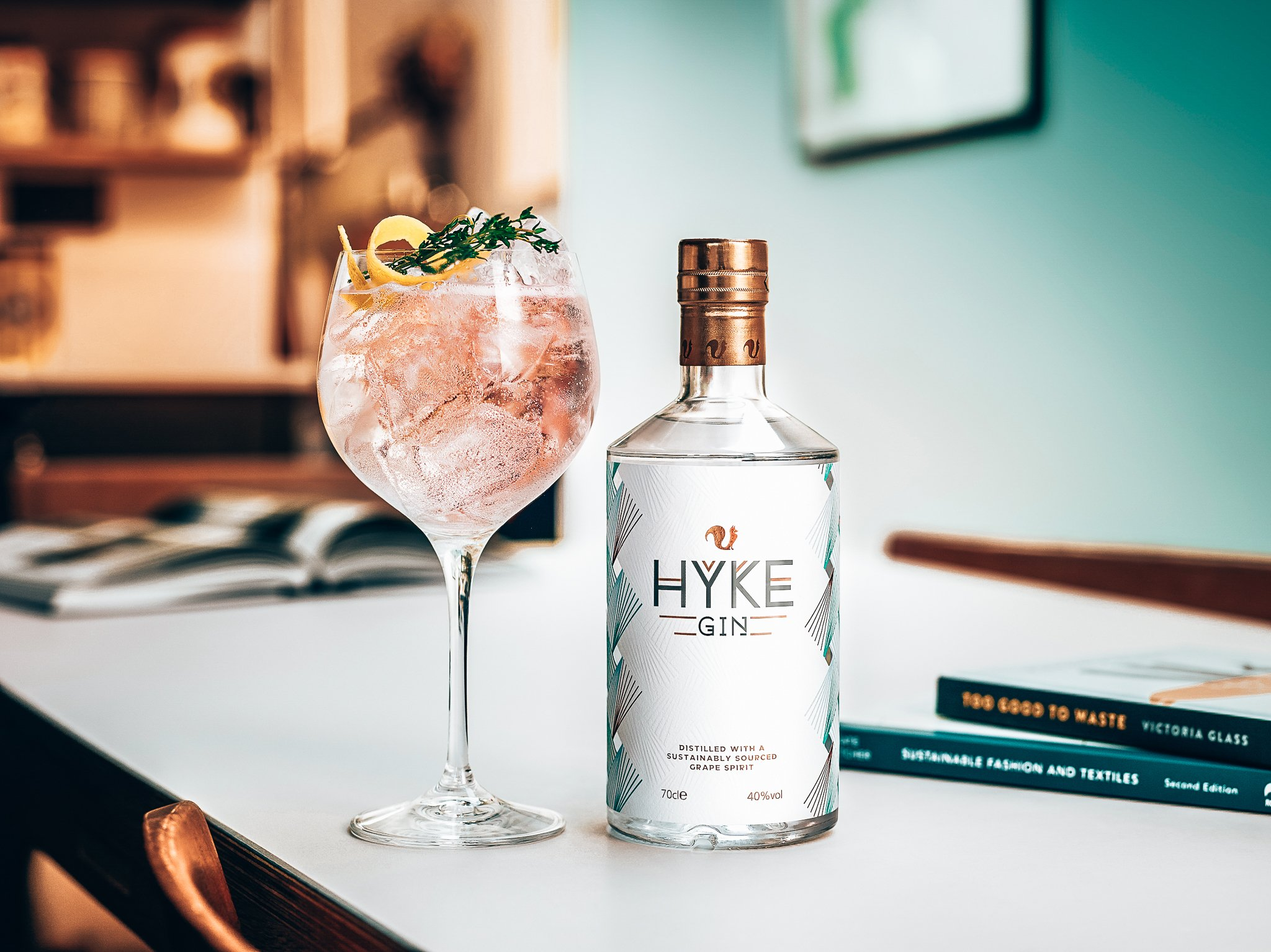 HYKE Spritz, gin cocktail recept met HYKE Gin, Alles over gin.
