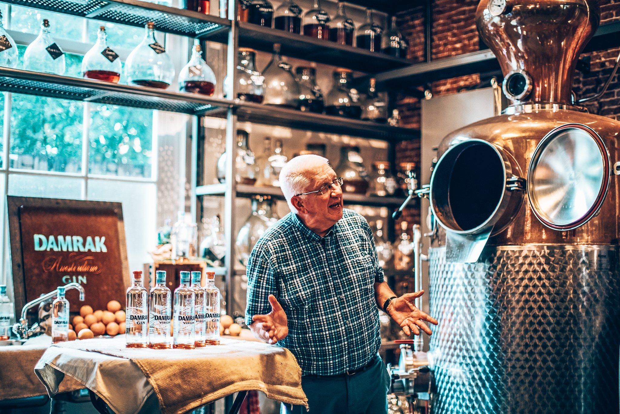 Op bezoek bij Lucas Bols in Amsterdam, Alles over gin.