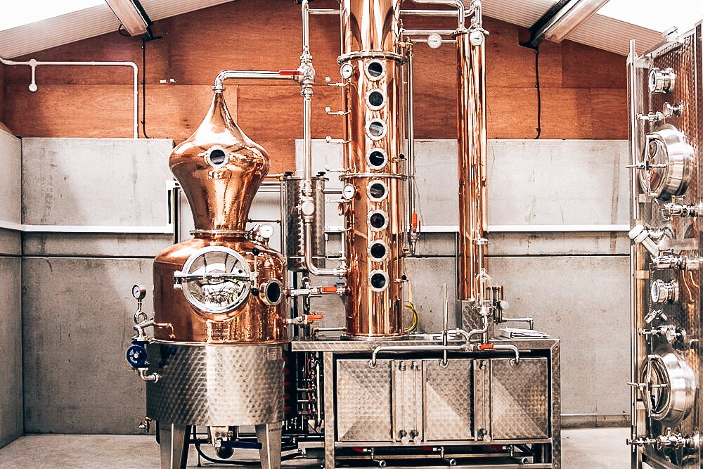 Source Silent Pool Distillery, Distillery for HYKE Gin, Alles over gin.